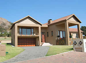 Lowveld Projects - Paint Suppliers - Paint manufacturers - Mpumalanga Paint - Mpumalanga Garage Doors - Mpumalanga Wooden Doors - Suppliers Wooden Doors - Suppliers Garage Doors