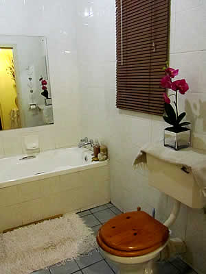 Bathroom facilities for B&B Accommodation close to Witbank