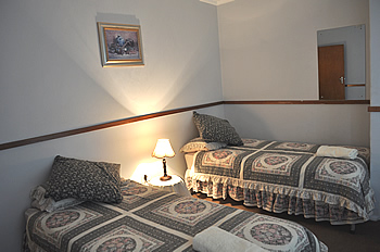 Clean comfortable and affordable accommodation for self catering contractors near Witbank